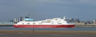 Belfast - Birkenhead ferry arriving in the River Mersey