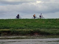 Cycling from Shotton towards Chester.