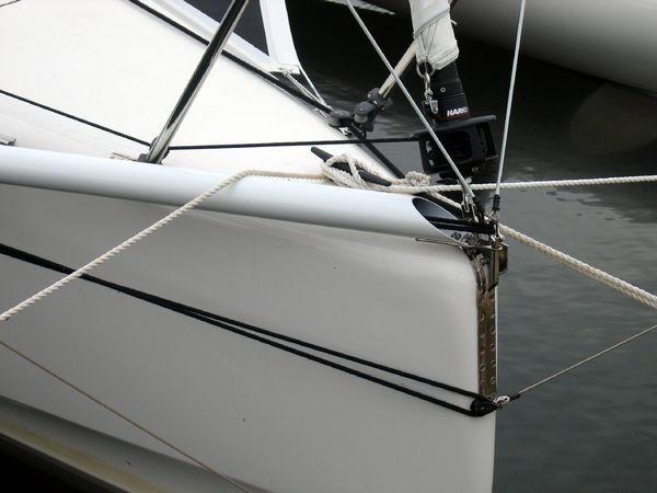 Folded bowsprit