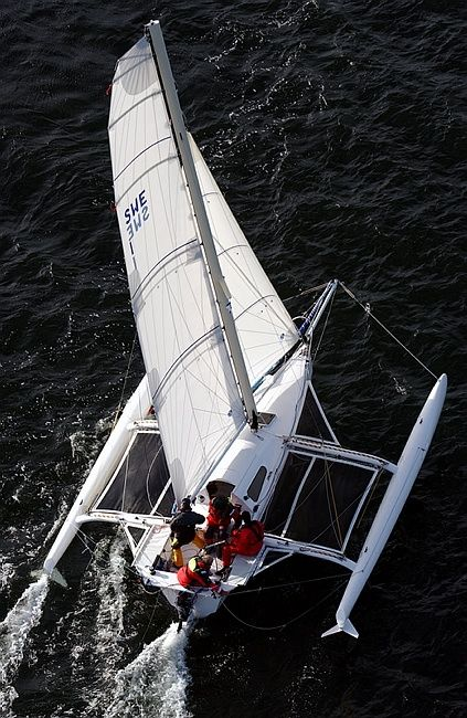Trimarans outperform monohulls and catamarans