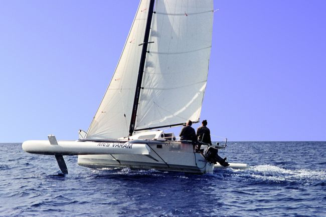 Stable even when only sailing on the leeward float